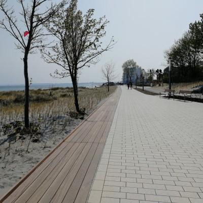 Erstes Teilstück der neuen Promenade